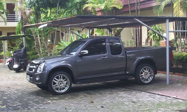Custom Pickup DMax 3.0 Turbo